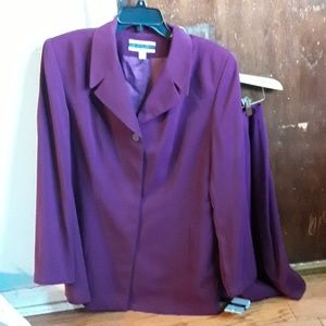 Amanda Smith Suit, size 14